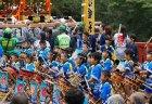 【10月7日(日)】早馬神社神幸祭・第14回唐桑早馬カキ祭|新鮮な唐桑産カキの無料試食・浜値での即売|唐桑のカキをたっぷりとご堪能ください。