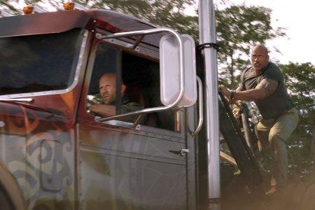 【8/2(金)公開】ワイルド・スピード/スーパーコンボ|世界的ヒットを記録してきたアクション『ワイルド・スピード』シリーズの第9弾。元FBI捜査官のルーク・ホブスと元MI6エージェントのデッカード・ショウが組み、敵に立ち向かう。