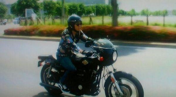 ピース綾部バイク
