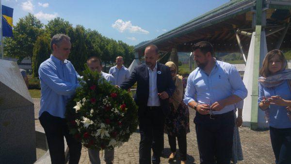 Остоја Симетић: Геноцид у Сребреници