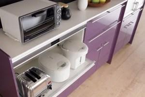 炊飯器やレンジなどの家電も収納可能