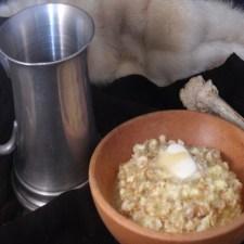 Gachas de trigo con leche y mantequilla. Festín de Hielo y Fuego