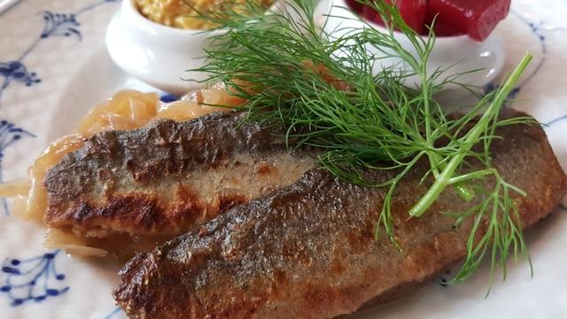 Restaurant Kronborg - saltstegte sild 640