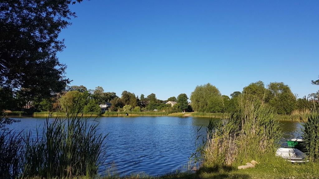 Zwiedzanie okolic Frankfurtu nad Odrą - jezioro w Kliestow
