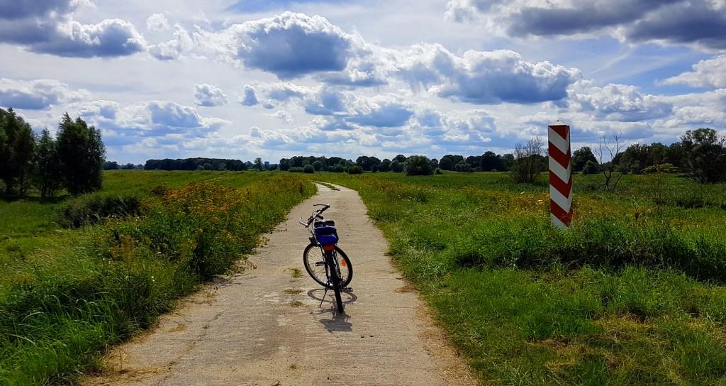 Szlak rowerowy wzdłuż rzeki Odry - trasa z Uradu do Kłopotu