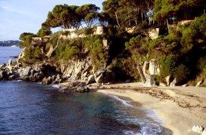 Spanien Costa Brava wilde Kueste Treppe
