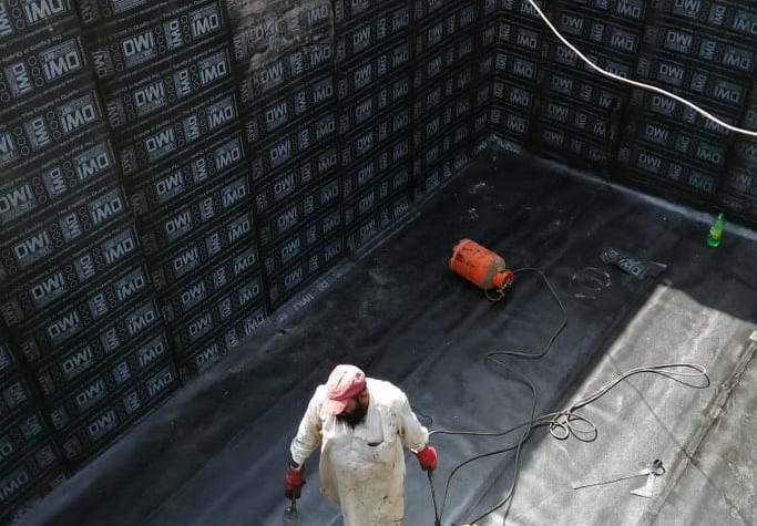 شركة عزل خزانات نظم تصفية المياه الجوفية-خزانات المياه عزل خزانات المياه ومهندسون وفنيون وعمال ذو جدارة واثبات دائم فى التقدم والرقى الى الامام :- تسربات      :- كشف          :- المياه    :- تسريبات   :- تسرب    :- تهريب :- فحص     :- مواسير        :- سباك      :- سباكة      :- فنى صحى      :- غاز :- فحص مواسير     :- اصلاح      :- ضمان       :- انخفاض     :- الفواتير      :- حل مشاكل التسربات :- انخفاض فاتورة المياه      :- معالجة ارتفاع فاتورة المياه       :- القضاء على التسربات       :- اصلاح مواسير الصرف :- الكشف على المنازل       :- الكشف على التسربات       :- الكشف وتحديد مكان التسرب (2_) اذ يبحث العميل على خدمات العزل وتم اختيارة لنا فهو فى المكان الصحيح ونحن نوفر لة كل السبل والطرق المتاحة للعزل لمنع تسربات المياه :_ العزل المائى          :_ العزل الحرارى       :_عزل الصوت :_عزل الفوم            :_ عزل الرطوبة        :_عزل البولى يورثيان :_عزل شبكات المياه       :_عزل الاسطح        :_عزل اسطح :_عزل اسطح مبلطة         :_عزل اسطح غير مبلطة     :_ عوازل :_عزل الصبة الرغوية        :_عزل الجدران          :_ عزل القار :_عزل الرول              :_عزل الاسقف            :_عزل السقف :_عزل خزانات المياه          :_عزل خزانات           :_عوازل مائية :_عوازل حرارية              :_عزل حامى           :_عزل بارد :_عزل ديجى فايف             :_عزل سايكو بروف      :_عزل ابوكسى :_عزل          :_عوازل     :_تاجر عزل          :_مواد عازلة ينتشر تلوث المياه الجوفية في الوقت الحاضر نتيجة للممارسات غير الصحية في كل من القطاعين الصناعي والزراعي التي أدت إلى تفشي النفايات بشكل كبير على الأرض من أشكال مختلفة من الملوثات الكيميائية الضارة مثل مبيدات الأعشاب والمبيدات التي تتسرب في النهاية إلى خزانات المياه الجوفية ؛ هذا هو السبب في أن استخدام أنظمة تصفية المياه الجوفية مهم لحماية الجميع في الأسرة عندما يتعلق الأمر باستخدام مياه الصنبور للشرب والاستخدامات الأخرى . تعمل أنظمة تصفية المياه الجوفية من خلال تنقية المياه باستخدام واحدة من الطرق العديدة للتخلص من ملوثات المياه حتى مستوى معين محدد للتخلص منها. هناك مرشحات تقليدية عادية لفرز الملوثات في الماء في حالة طبيعية ؛ بينما توجد أيضًا مرش