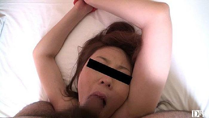 首輪調教を楽しむドスケベ妻