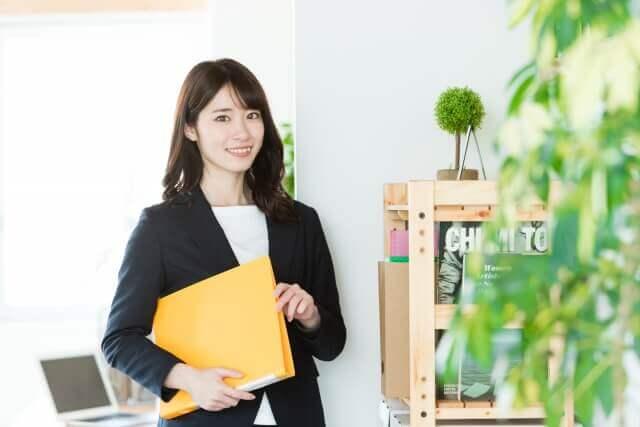 事務技能の資格・スキルを活かした職種・業種の年収って?