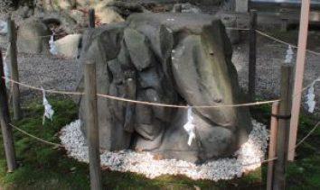 清洲山王宮 日吉神社 子産石