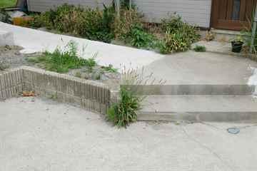 福岡市早良区 一軒家 庭の草取り|えびす造園