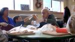 幼稚園と介護施設を併設。米シアトルで始まった試みに、世界中で絶賛の声!