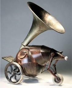 escultura-bio-mecanica-triciclo-megafono-Greg-Brotherton