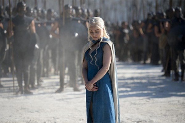 daenerys-targaryen-madre-dragones-game-of-thrones-ejercito-inmaculados