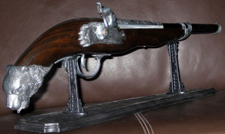 pistola-antigua-encendedor-2