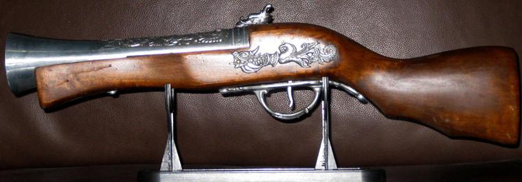 pistola-antigua-encendedor-chica-760