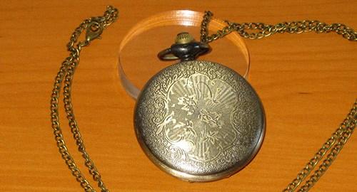 reloj loki de bolsillo