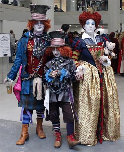 familia-cosplay-alicia-pais-maravillas-tim-burton