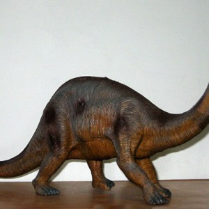 brontosaurio-juguete-grande-2