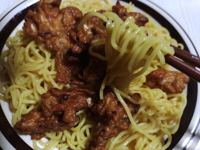 「流水麺」冷し中華醤油味2食(シマダヤ)は、鍋もお湯も要らない、スープをかけてほぐすだけで食べられるスープ付き冷し中華です
