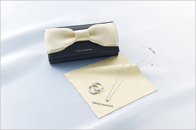 エクセルコダイヤモンドのダイヤモンド専用クロス付きジュエリーポーチ