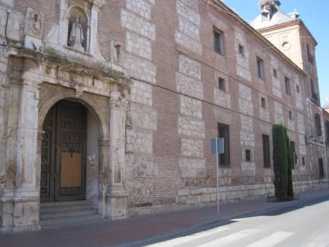 Juzgado de Alcalá de Henares en la calle de Los Colegios, antiguo convento de San Agustín