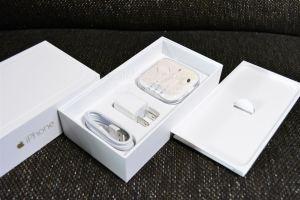 iPhone6Plusの付属品まとめ写真