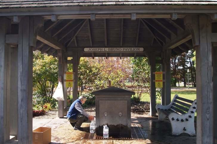 サラトガスパ州立公園の飲泉所