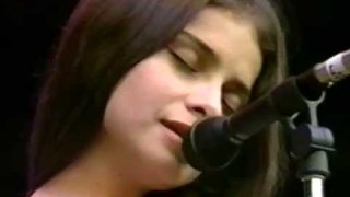 Mazzy Star – Flowers In December – 10/2/1994 – Shoreline Amphitheatre (Official)