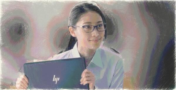 HPエリートドラゴンフライのメガネのCM女優は熊谷江里子