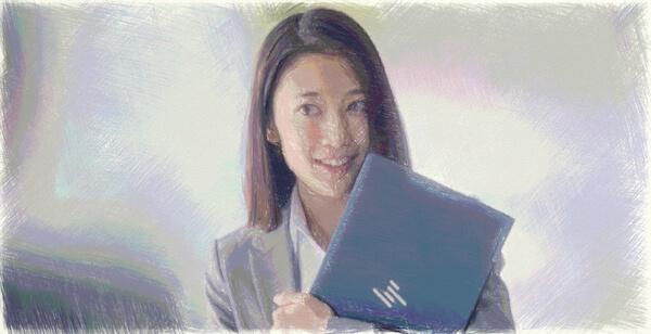 HPエリートドラゴンフライCMのグレースーツでセミロングの女優は橘茉希