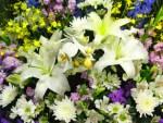 祭壇に飾る供花はどこに依頼するの?