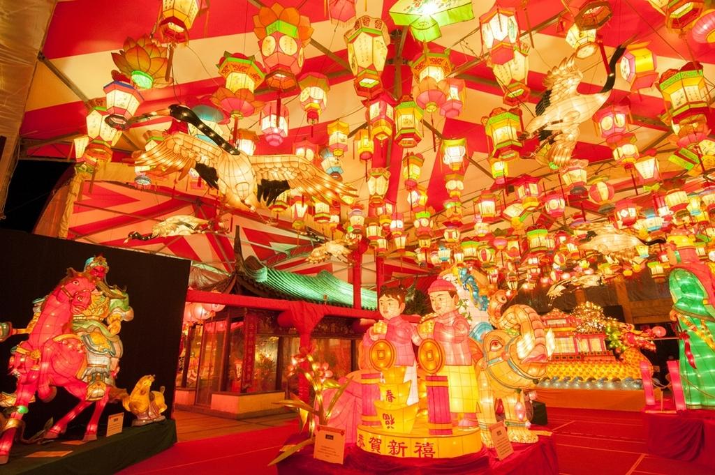 長崎ランタンフェスティバル 皇帝パレード 時間 駐車場