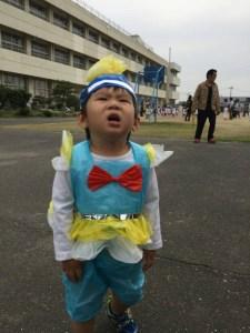 運動会・泣く子供