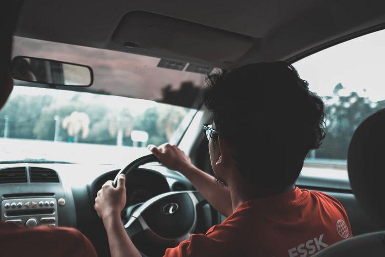 クロスビーは運転しづらい・しやすい?視界や見切り・駐車は?