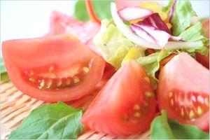 玉ねぎトマトサラダ