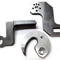 汎用タイプフライス盤YZ-500WRを導入。単品の複雑形状の加工が可能に!