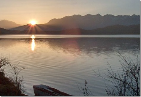 sun-rising-rara-lake