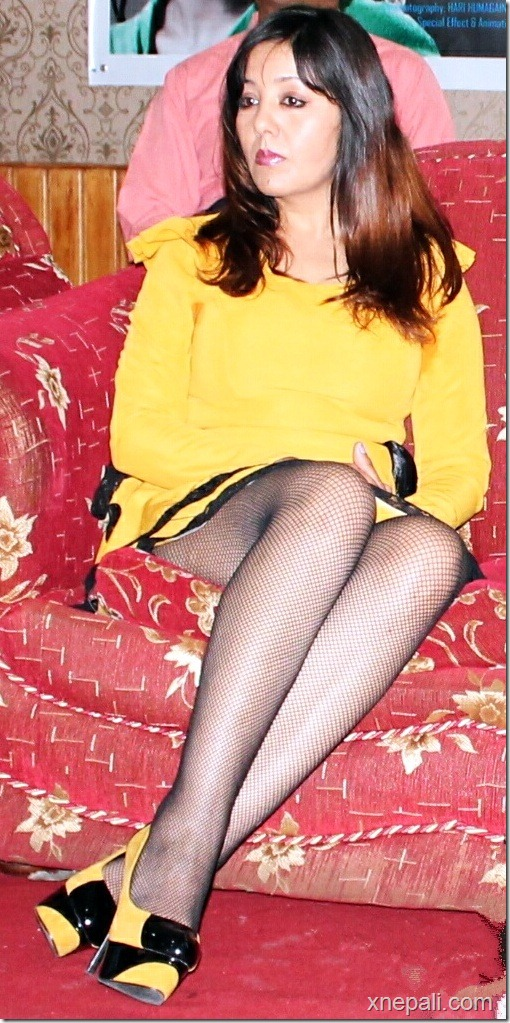 karishma manandhar yellow short skirts -