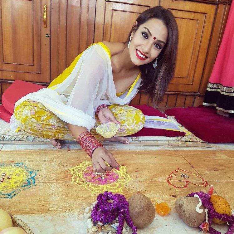 priyanka-karki-preparing-bhaitika-2016
