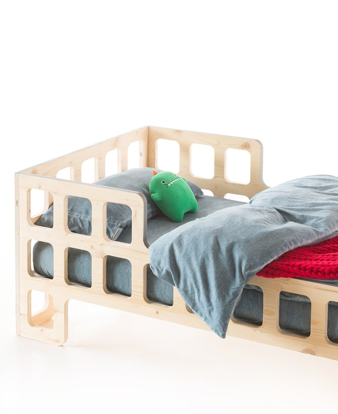 LUKAAS junior bed