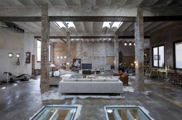 Industrial-Loft-in-Downtown-Barcelona-1-537x357