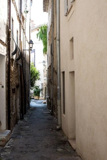 mougins street5 (1 of 1)