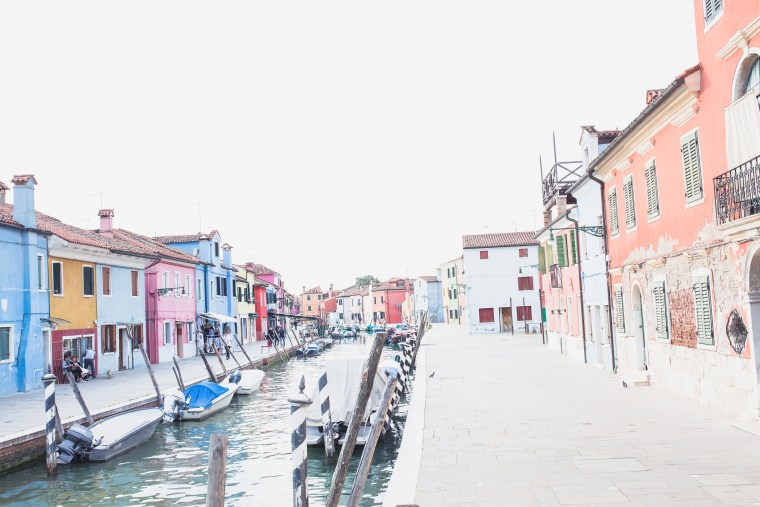 Venice Burano canal centre (1 of 1)