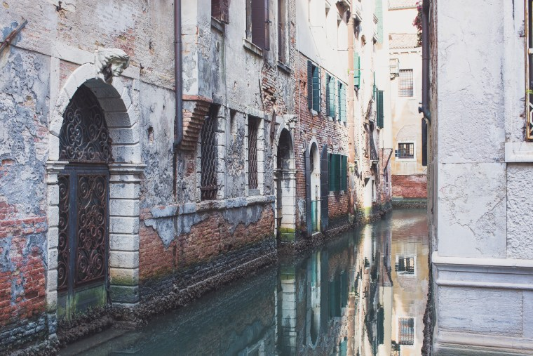 Venice canal (1 of 1)