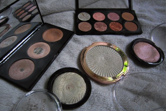 Glowy Beauty Feat Makeup Revolution Highlighters