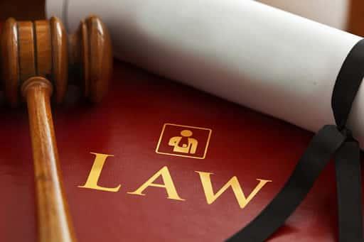 違法性は限りなく低いものの、合法とは言えない