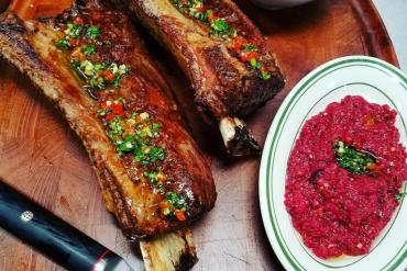 short-rib-with-bone-in_chimichurrisauce