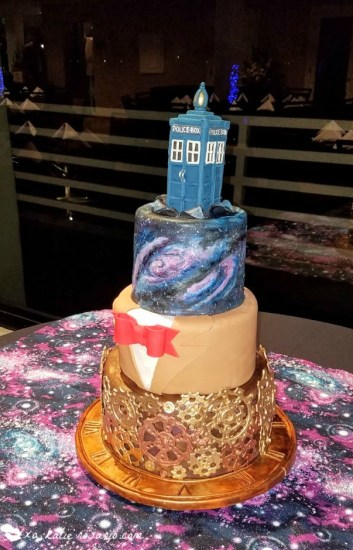 Cake by @xokatierosario | This Doctor Who Galaxy Cake is the perfect example of how fun galaxy desserts can be. This Dr. Who Galaxy Cake is perfect for any true fan. #xokatierosario #galaxycake #doctorwhocake #cakedecoratingtips