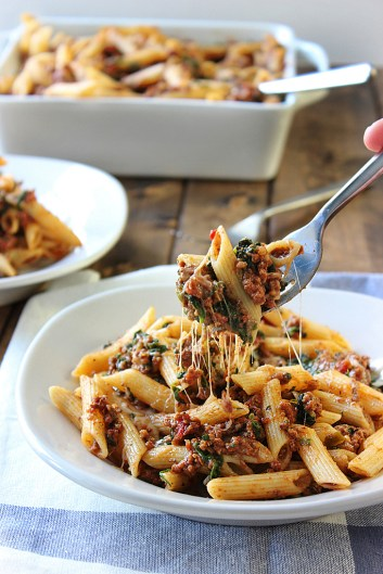 Slow Cooker Beefy Cheesy Pasta | Slow Cooker Pasta Recipes